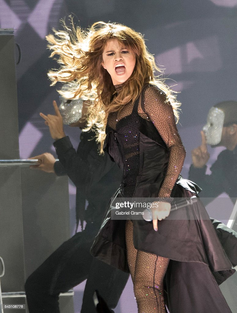 <a gi-track='captionPersonalityLinkClicked' href=/galleries/search?phrase=Selena+Gomez&family=editorial&specificpeople=4295969 ng-click='$event.stopPropagation()'>Selena Gomez</a> performs during the Revival tour at United Center on June 25, 2016 in Chicago, Illinois.