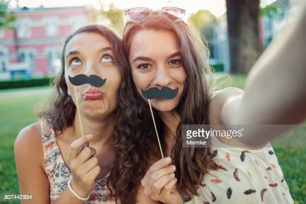 Selfie und Schnurrbärte