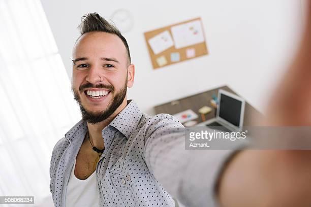 Selfie dans son nouveau bureau