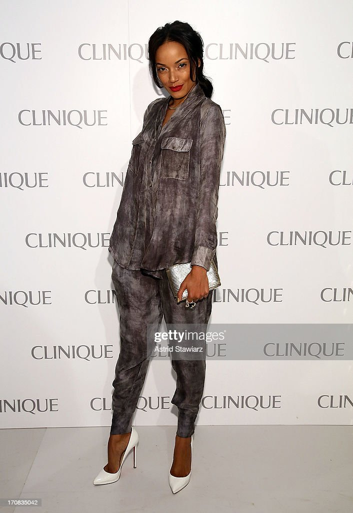 <a gi-track='captionPersonalityLinkClicked' href=/galleries/search?phrase=Selita+Ebanks&family=editorial&specificpeople=619483 ng-click='$event.stopPropagation()'>Selita Ebanks</a> attends Dramatically Different Party Hosted By Clinique at 620 Loft & Garden on June 18, 2013 in New York City.