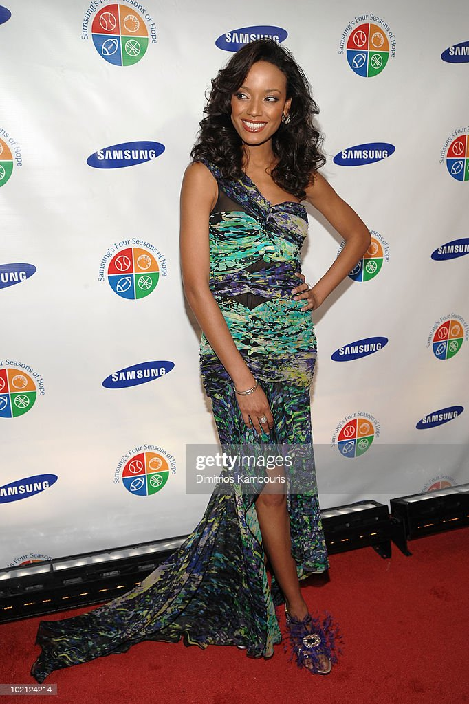 Selita Ebanks attends Samsung's 9th Annual Four Seasons of Hope Gala at Cipriani Wall Street on June 15, 2010 in New York City.