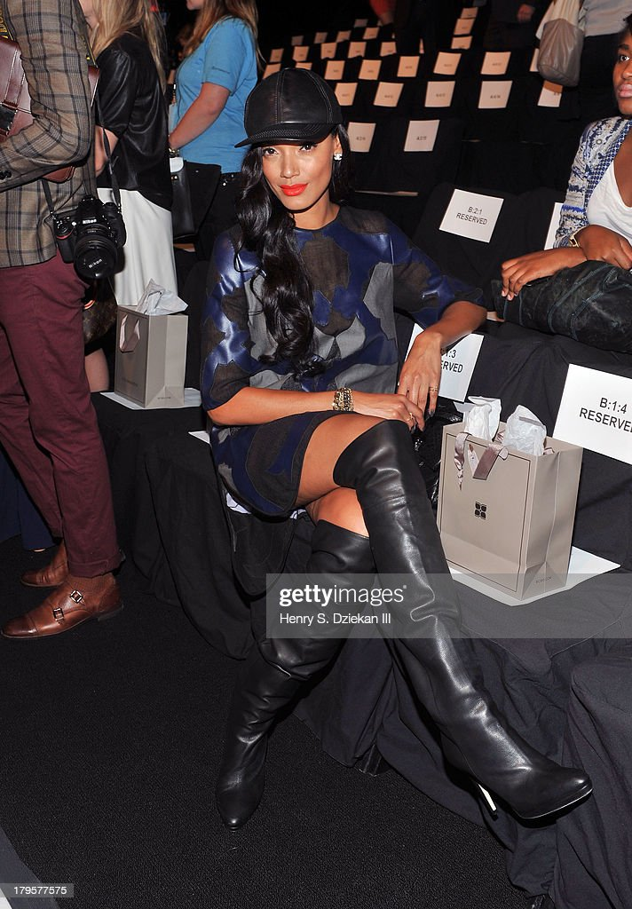 <a gi-track='captionPersonalityLinkClicked' href=/galleries/search?phrase=Selita+Ebanks&family=editorial&specificpeople=619483 ng-click='$event.stopPropagation()'>Selita Ebanks</a> attends the BCBGMAXAZRIA show during Spring 2014 Mercedes-Benz Fashion Week at The Theatre at Lincoln Center on September 5, 2013 in New York City.