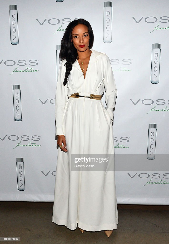 Selita Ebanks attends the fourth annual Voss Foundation Women Helping Women New York luncheon at Dream Downtown on November 14, 2013 in New York City.