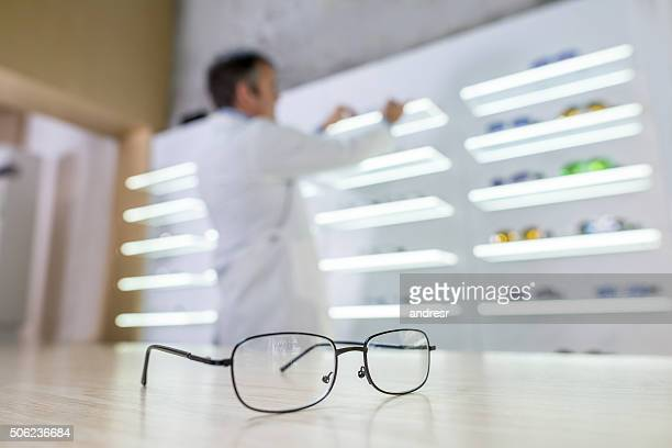 Selling glasses at an optics