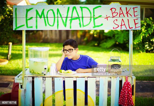 Selling lemonade and waiting for clients