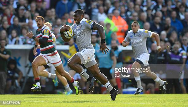 Semesa Rokoduguni of Bath races away to score their first try during the Aviva Premiership match between Leicester Tigers and Bath Rugby at Welford...