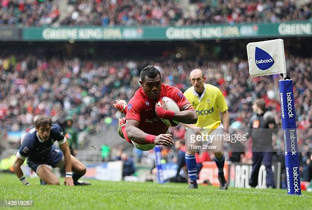 Semesa Rokoduguni of the Army scores a try during the Babcock Trophy match between the Army and the Navy at Twickenham Stadium on April 28 2012 in...
