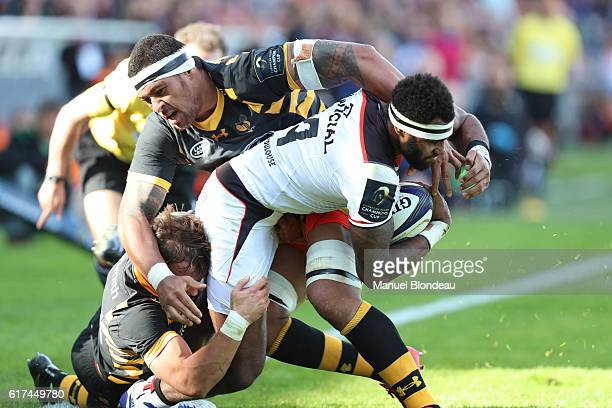 Semi Kunatani of Toulouse and Nathan Hugues of Wasps during the European Champions Cup between Toulouse and Wasps at Stade Ernest Wallon on October...