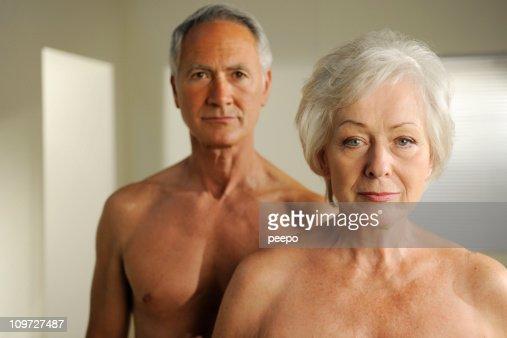semi desnuda jubilados