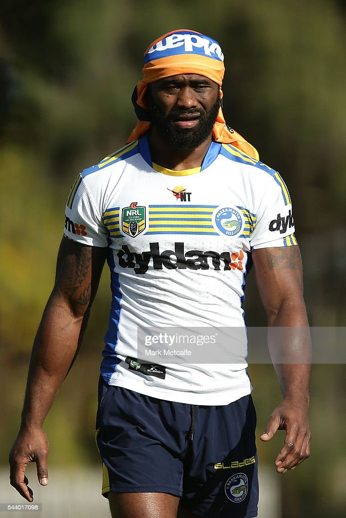 <a gi-track='captionPersonalityLinkClicked' href=/galleries/search?phrase=Semi+Radradra&family=editorial&specificpeople=7896121 ng-click='$event.stopPropagation()'>Semi Radradra</a> looks on during a Parramatta Eels training session at the Eels Training Centre on July 1, 2016 in Sydney, Australia.