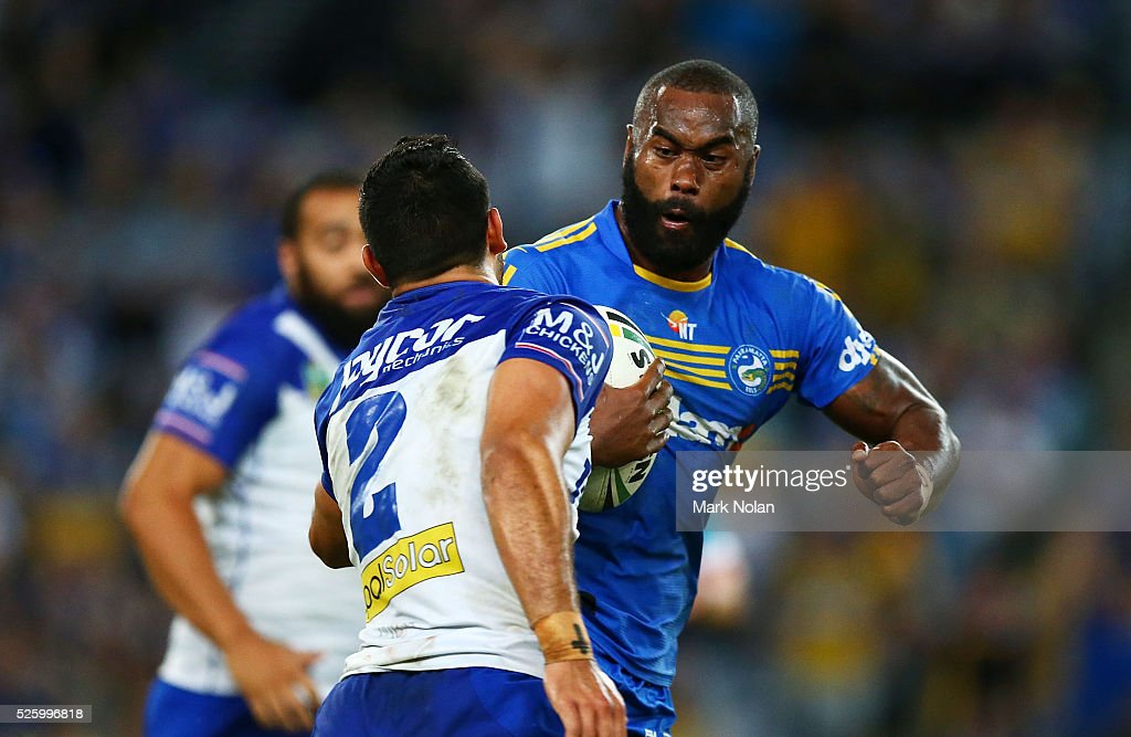 <a gi-track='captionPersonalityLinkClicked' href=/galleries/search?phrase=Semi+Radradra&family=editorial&specificpeople=7896121 ng-click='$event.stopPropagation()'>Semi Radradra</a> of the Eels makes a line break during the round nine NRL match between the Parramatta Eels and the Canterbury Bulldogs at ANZ Stadium on April 29, 2016 in Sydney, Australia.