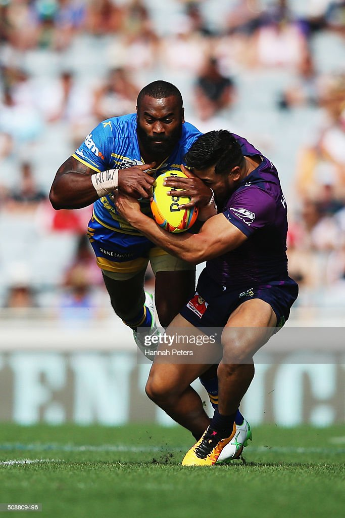 Semi Radradra of the Parramatta Eels charges forward during the 2016 Auckland Nines semi final match between the Parramatta Eels and the Melbourne Storm at Eden Park on February 7, 2016 in Auckland, New Zealand.