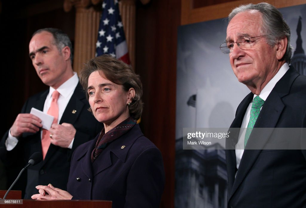 Senate Democrats Hold News Conference On Wall Street Reform