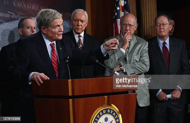S Sen Kit Bond speaks during a press conference on the START treaty held by Senate Republicans as US Sen George Lemieux US Sen Orrin Hatch US Sen Pat...