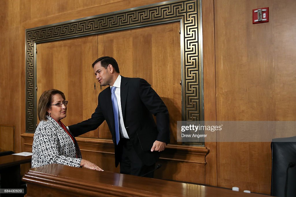 Sen. <a gi-track='captionPersonalityLinkClicked' href=/galleries/search?phrase=Marco+Rubio+-+Homme+politique&family=editorial&specificpeople=11395287 ng-click='$event.stopPropagation()'>Marco Rubio</a> (R-FL) greets Teresa Jacobs, Mayor of Orange County, Florida, at the end of a Senate Foreign Relations Committee hearing concerning cartels and the U.S. heroin epidemic, on Capitol Hill, May 26, 2016, in Washington, DC. According to the U.S. Centers for Disease Control and Prevention, from 2002 to 2013 the rate of heroin-related deaths quadrupled in the United States, with most of the increase coming after 2010.