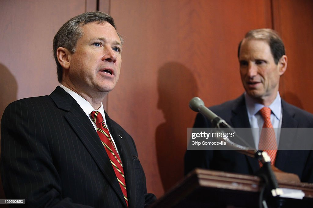 U.S. Sen. <a gi-track='captionPersonalityLinkClicked' href=/galleries/search?phrase=Mark+Kirk&family=editorial&specificpeople=2707485 ng-click='$event.stopPropagation()'>Mark Kirk</a> (R-IL) speaks during a news conference about the 25th anniversary of the Electronic Communications Privacy Act (ECPA) with U.S. Sen. <a gi-track='captionPersonalityLinkClicked' href=/galleries/search?phrase=Ron+Wyden&family=editorial&specificpeople=233819 ng-click='$event.stopPropagation()'>Ron Wyden</a> (D-OR) October 18, 2011 in Washington, DC. Kirk and Wyden called for the ECPA legislation to be updated so to ensure that the government must get a warrant from a judge before tracking our movements or reading our private communications.