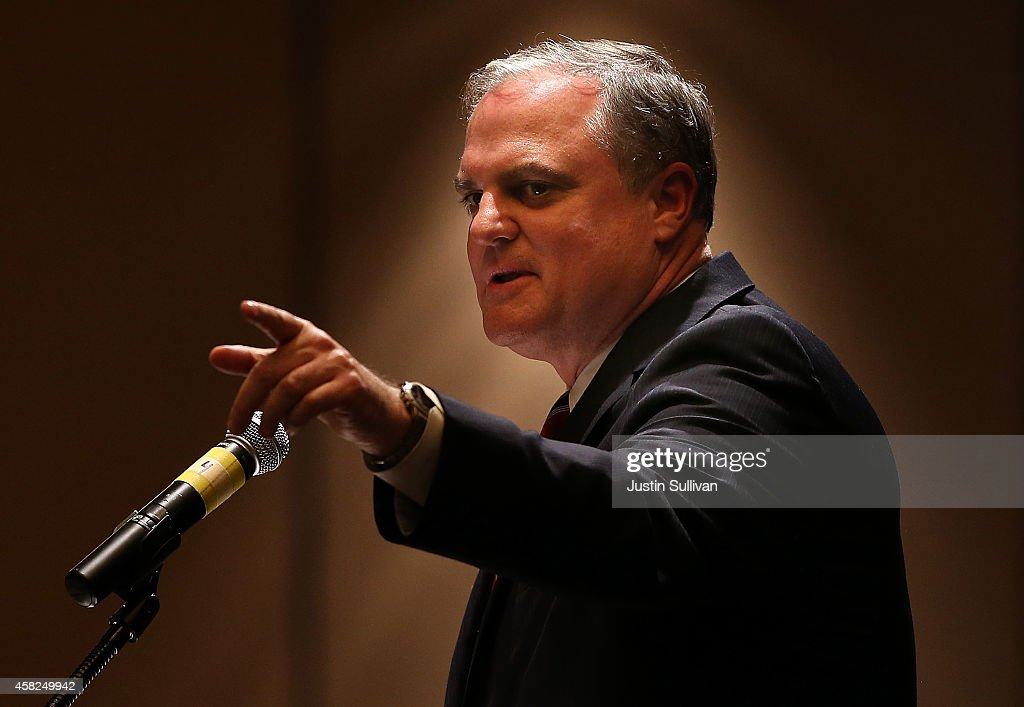 U.S. Sen. <a gi-track='captionPersonalityLinkClicked' href=/galleries/search?phrase=Mark+Pryor&family=editorial&specificpeople=788037 ng-click='$event.stopPropagation()'>Mark Pryor</a> (D-AR) speaks during the Arkansas Military Veteran's Hall of Fame induction ceremony on November 1, 2014 in Little Rock, Arkansas. WIth less than a week to go before election day U.S. Sen. <a gi-track='captionPersonalityLinkClicked' href=/galleries/search?phrase=Mark+Pryor&family=editorial&specificpeople=788037 ng-click='$event.stopPropagation()'>Mark Pryor</a> (D-AR) is trailing republican candidate for senate, U.S. Rep. Tom Cotton (R-AR).