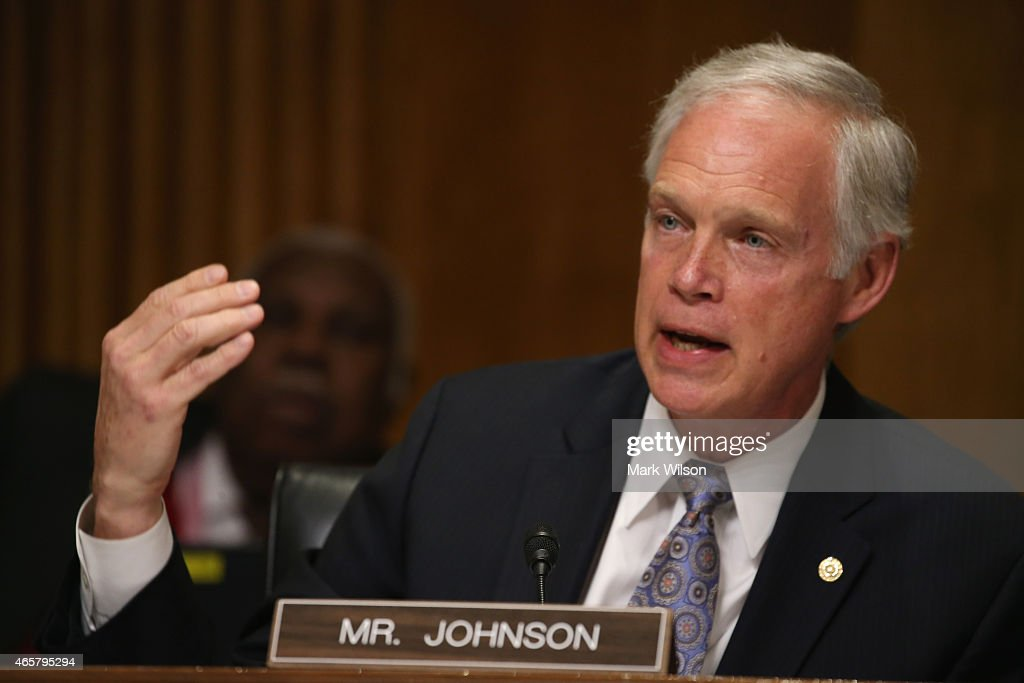 Sen. <a gi-track='captionPersonalityLinkClicked' href=/galleries/search?phrase=Ron+Johnson+-+Pol%C3%ADtico&family=editorial&specificpeople=12902569 ng-click='$event.stopPropagation()'>Ron Johnson</a> (R-WI) participates in a Senate Foreign relations Committee hearing on Capitol Hill, March 10, 2015 in Washington, DC. The committee was hearing from us government officials on the situation in Ukraine.