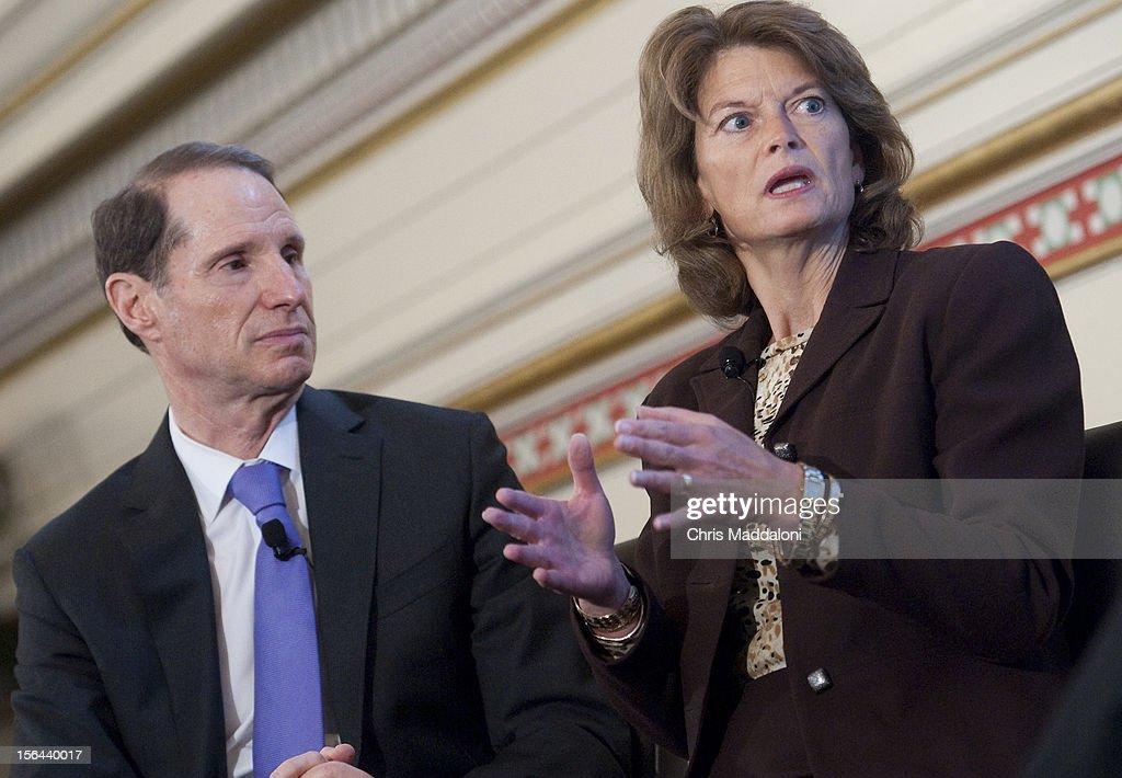 Sen. Ron Wyden, D-Ore., and Sen. Lisa Murkwoski, R-Alaska, speak at a CQ Roll Call briefing, 'America's Energy Future.'