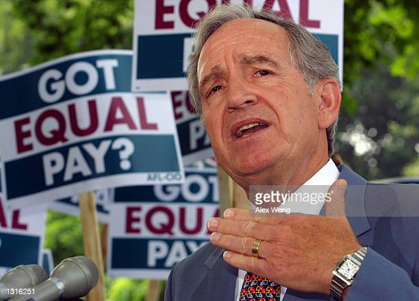 Sen Tom Harkin speaks at a press conference to address the equal pay act June 12 2001 on Capitol Hill in Washington DC The AFLCIO''s Working Women...