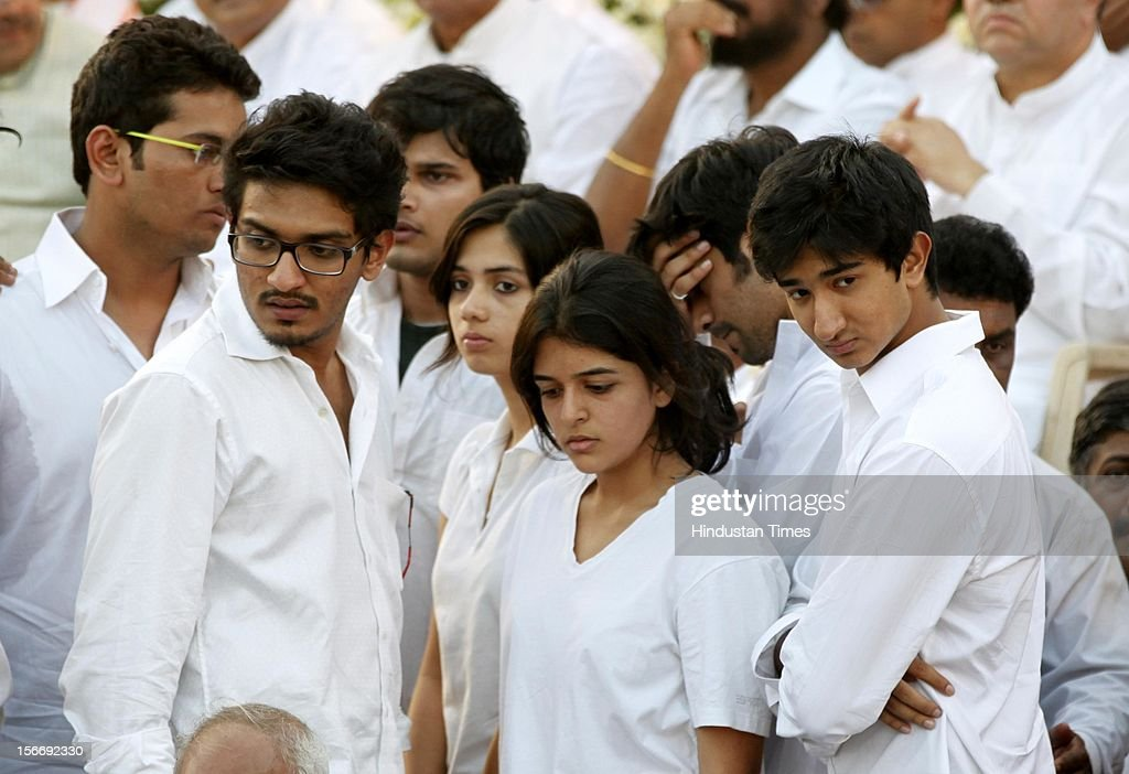 Sena chief Bal Thackeray's grandchildren grieve during Bal Thackeray's funeral at Shivaji Park on November 18, 2012 in Mumbai, India. Bal Thackeray passed away on November 17, 2012 at the age of 86 years.
