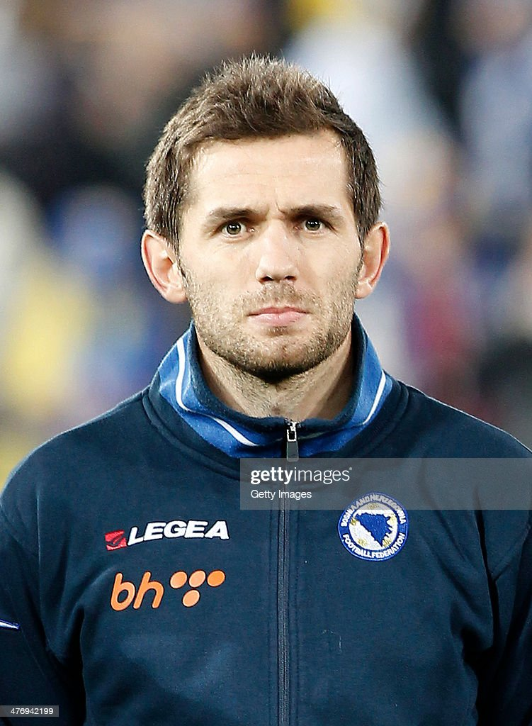 Senad Lulic of Bosnia and Herzegovina lines up before the International Friendly match between Bosnia and Herzegovina and Egypt at the Tivoli stadium on March 5, 2014 in Innsbruck, Austria.