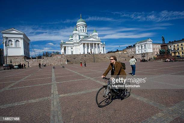 Senat Square and Helsinki Cathedral.