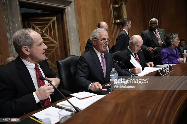 Senate Foreign Relations Committee Chairman Sen Bob Corker gavels the start of a Senate Foreign Relations Committee markup meeting on the proposed...