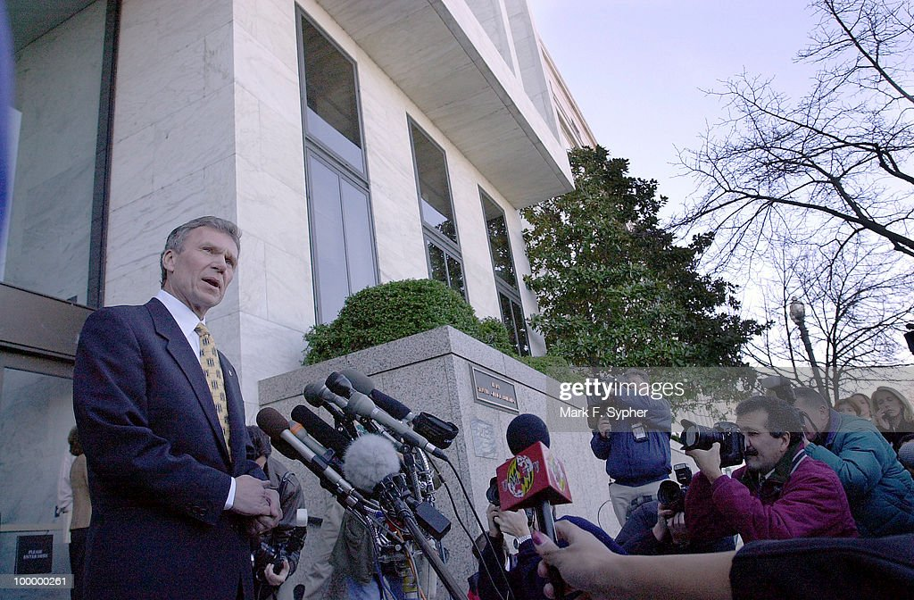 Senate Majority Leader Tom Daschle addresses the media on C street NE, commerating re-opening of the Hart Senate Office Building, which was closed more than three months ago when an anthrax tainted letter was opened by one of his staff, infecting more than 20 people.