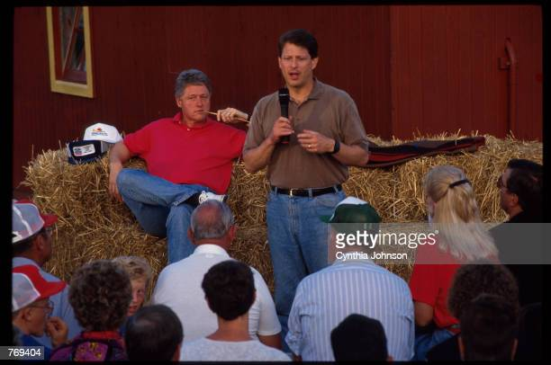Senator Al Gore speaks while his running mate Governor Bill Clinton looks on during a campaign stop July 21 1992 in USA Governor Bill Clinton...