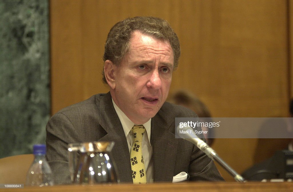 Senator Arlen Specter (R-PA), listens to testimony from stem cell and ethics experts.
