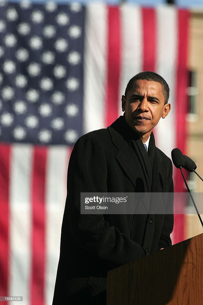 Senator Barack Obama speaks to a crowd gathered on the lawn of the old State Capital Building February 10 2007 in Springfield Illinois Obama...