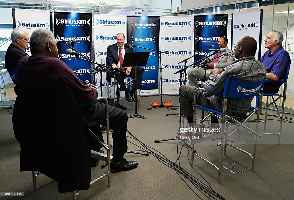 Senator <a gi-track='captionPersonalityLinkClicked' href=/galleries/search?phrase=Bill+Bradley&family=editorial&specificpeople=202587 ng-click='$event.stopPropagation()'>Bill Bradley</a> (C) hosts a special edition of his SiriusXM show 'American Voices' featuring his 1972-73 NBA Champion New York Knicks teammates (L-R) <a gi-track='captionPersonalityLinkClicked' href=/galleries/search?phrase=Phil+Jackson&family=editorial&specificpeople=201756 ng-click='$event.stopPropagation()'>Phil Jackson</a>, <a gi-track='captionPersonalityLinkClicked' href=/galleries/search?phrase=Willis+Reed&family=editorial&specificpeople=234349 ng-click='$event.stopPropagation()'>Willis Reed</a>, Earl 'The Pearl' Monroe, Jerry Lucas and Walt 'Clyde' Frazier at the SiriusXM Studios on April 5, 2013 in New York City.