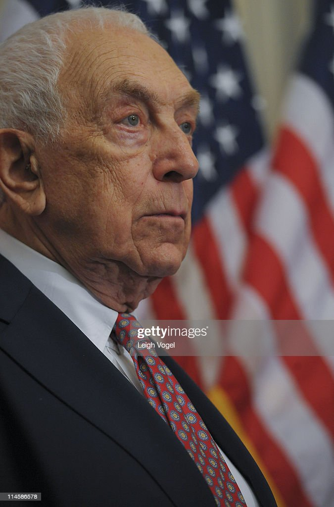 Senator <a gi-track='captionPersonalityLinkClicked' href=/galleries/search?phrase=Frank+Lautenberg&family=editorial&specificpeople=240397 ng-click='$event.stopPropagation()'>Frank Lautenberg</a> (D-N.J.) joins Safer Chemicals, Healthy Families Coalition on Capitol Hill to discuss the Safe Chemicals Act at the United States Capitol on May 24, 2011 in Washington, DC.