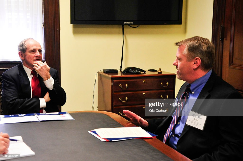 Senator James Risch (R-ID) meets with PAs (physician assistants) in Washington, DC about the need to reform federal law to allow PAs to prescribe buprenorphine for opioid addiction, as well as the important role PAs play in mental healthcare on February 4, 2016.