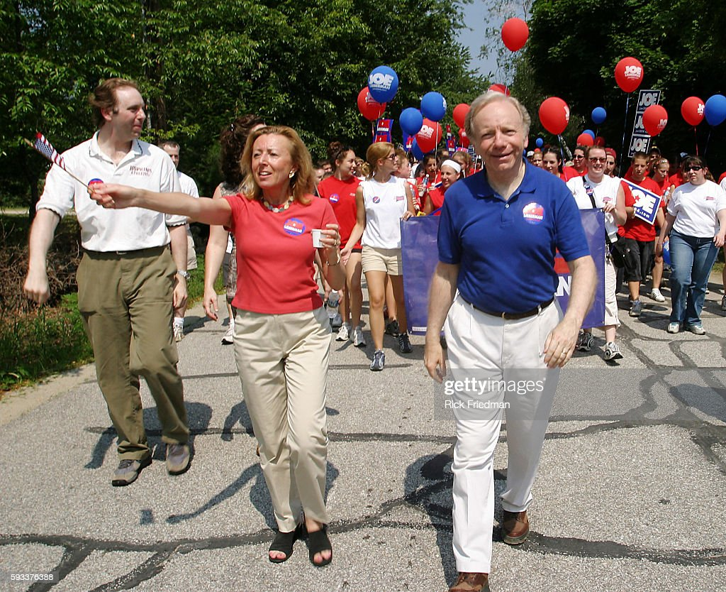 Senator Joe Lieberman campaigning for president with his wife Hadassah | Location Amherst New Hampshire United States