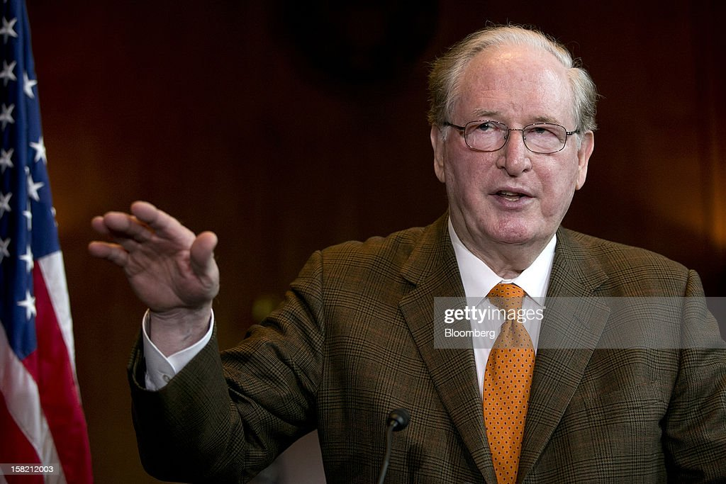 Senator John Rockefeller, a Democrat from West Virginia, speaks during a news conference in Washington, D.C. U.S., on Tuesday, Dec. 11, 2012. Democratic lawmakers want Medicaid funding protected in the fiscal cliff talks. Photographer: Andrew Harrer/Bloomberg via Getty Images