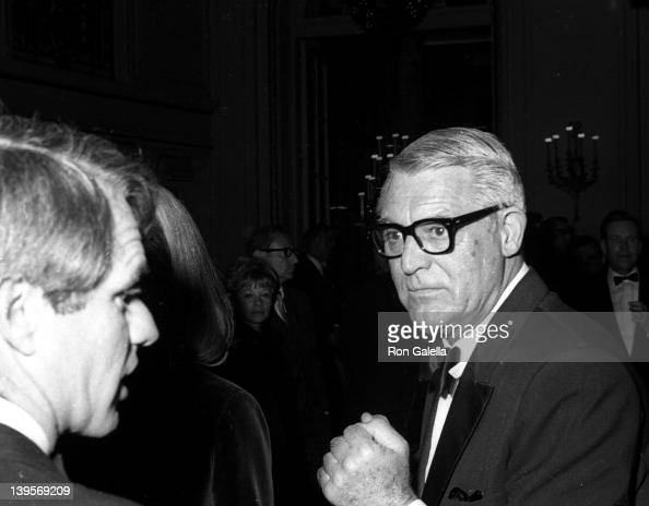 Senator Robert F Kennedy and actor Cary Grant attend Democratic National Comittee Fundraising Dinner on December 10 1967 at the Plaza Hotel in New...