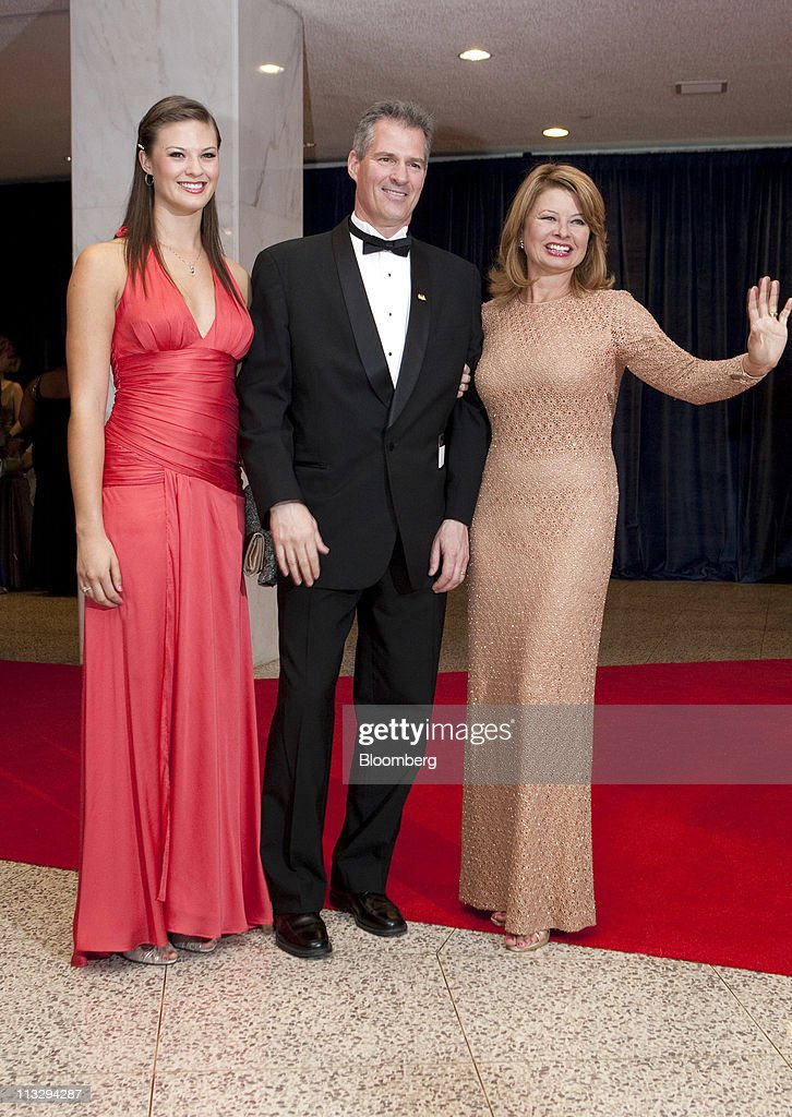 U.S. Senator Scott Brown, center, hs wife Gail Huff, right, and their daughter <a gi-track='captionPersonalityLinkClicked' href=/galleries/search?phrase=Ayla+Brown&family=editorial&specificpeople=574940 ng-click='$event.stopPropagation()'>Ayla Brown</a> arrive for the White House Correspondents' Association (WHCA) dinner in Washington, D.C., U.S., on Saturday, Aprill 30, 2011. The dinner raises money for WHCA scholarships and honors the recipients of the organization's journalism awards. Photographer: Joshua Roberts/Bloomberg via Getty Images
