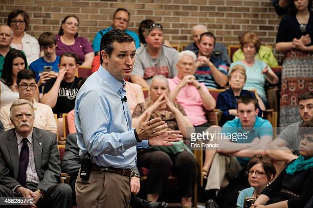 Senator Ted Cruz addresses voters during a town hall meeting at the Lincoln Center on the campus of Morningside College April 1 2015 in Sioux City...