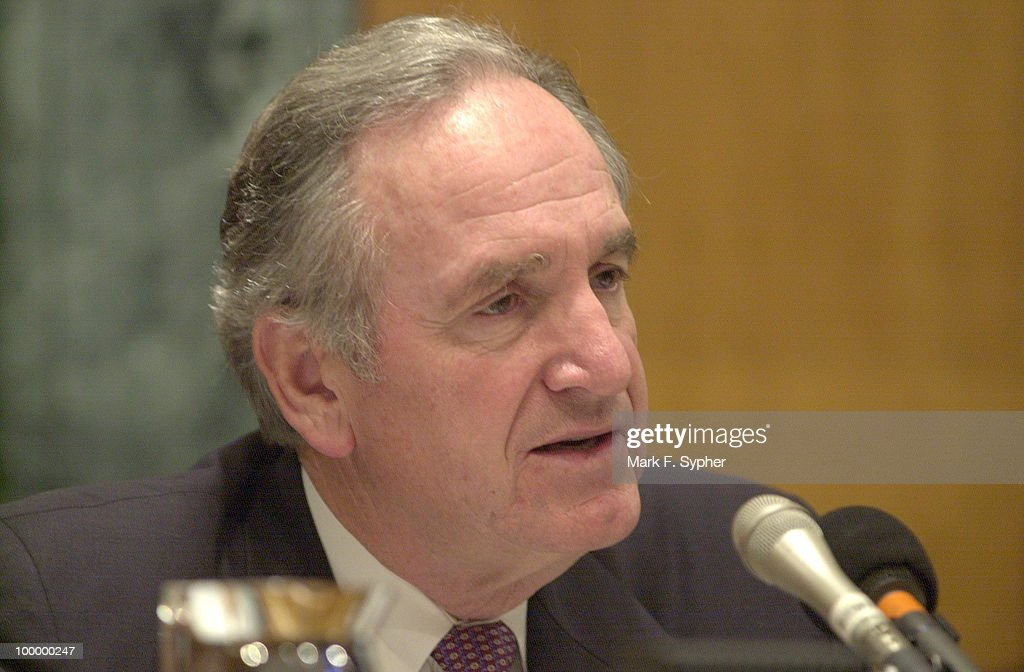 Senator Tom Harkin (D-IA), on tuesday morning at the Labor, Health and Human Services Subcommittee hearing on cloning, questions Dr. Michale West, of Advanced Cell Technology.