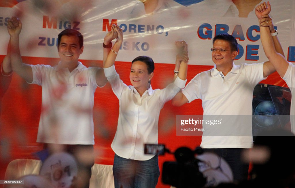 Senatorial candidate Vice-Mayor Isko Moreno, Presidential aspirant Senator Grace Poe, with her running mate Senator Francis Escudero gestures during their election campaign at Plaza Miranda in Manila. Senator Poe maintained her lead in the presidential race despite issues on citizenship. On the latest survey by Laylo, Poe got 29% followed by Vice President Jejomar Binay and former Interior and Local Government Secretary Mar Roxas which tied in the second place with 22%. The survey came as the campaign period officially starts today.