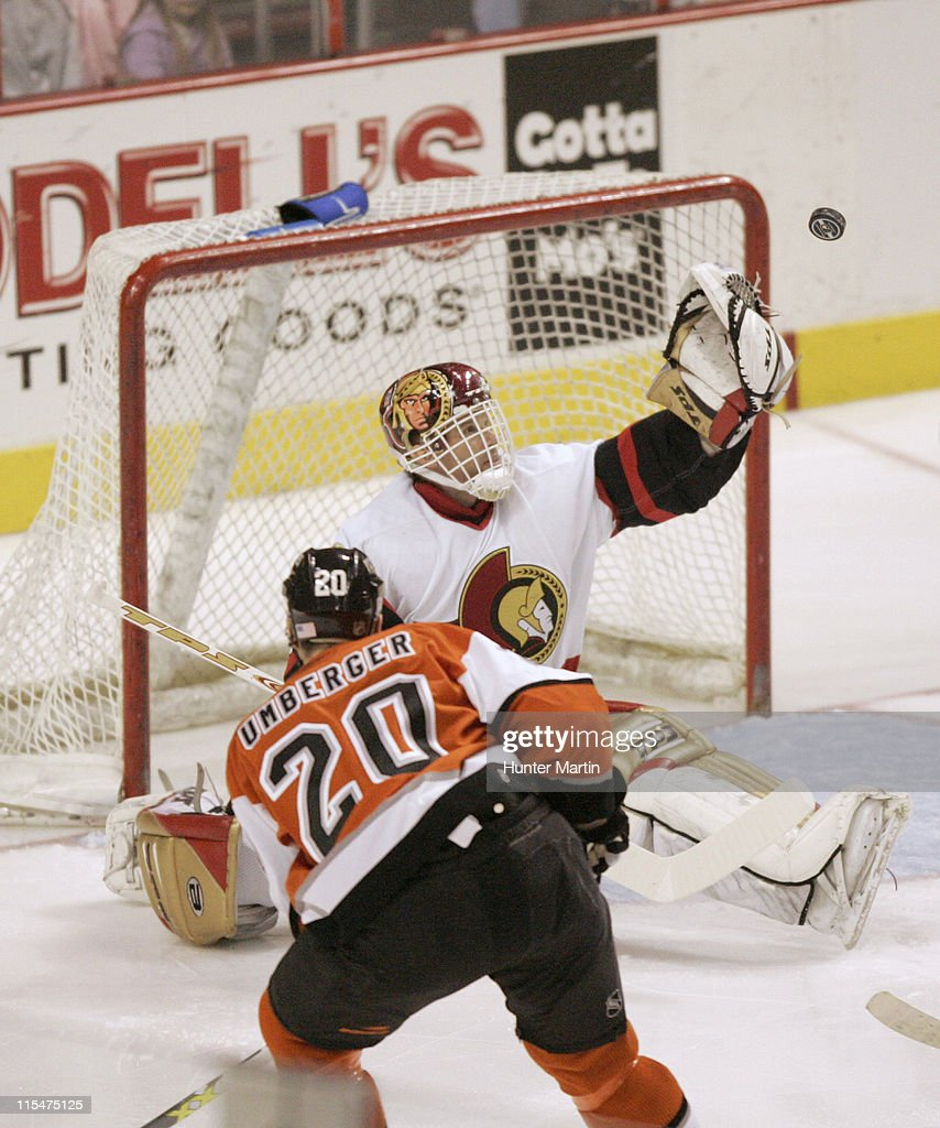 Senators goalie Dominik Hasek makes a first period save during the Ottawa Senators vs Philadelphia Flyers game at Wachovia Center in Philadelphia on...