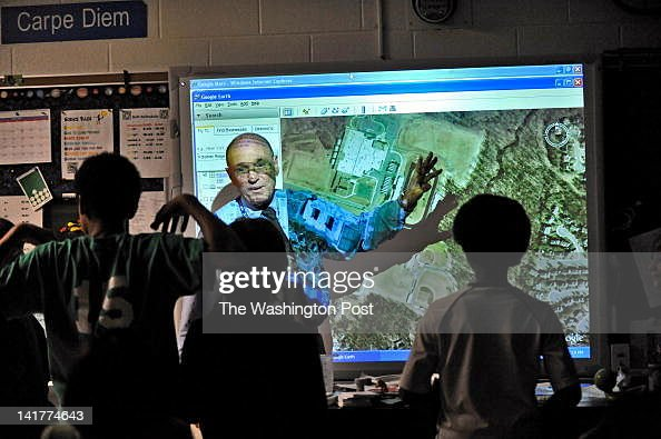 Seneca Ridge Middle School science teacher Rick Peck uses Google Earth images to discuss our area watersheds.