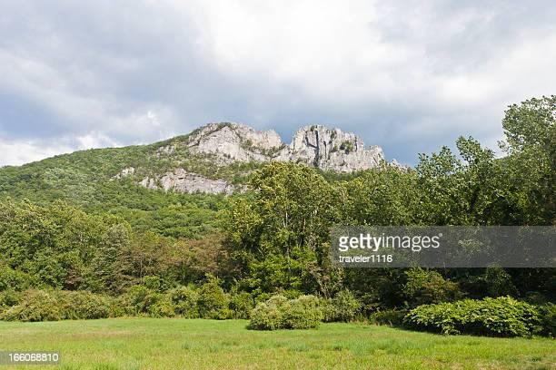 Seneca Rocks dans l'ouest de la Virginie, États-Unis