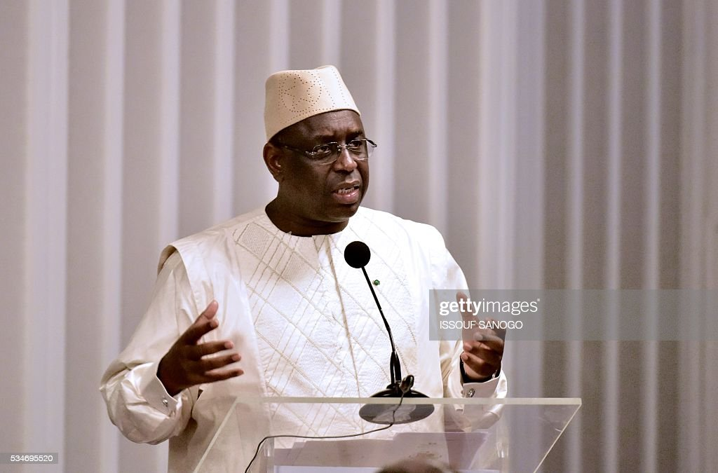 Senegal's President Macky Sall delivers his message at the security meeting of the ministers of Security Defence and Security of the West African Economic and Monetary Union zone (UEMOA) in Abidjan on May 27, 2016. / AFP / ISSOUF
