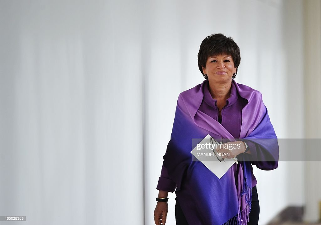 Senior advisor to the president Valerie Jarrett walks through the Colonnade of the White House on January 28, 2014 in Washington, DC. AFP PHOTO/Mandel NGAN