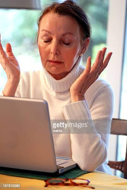 senior y ordenador