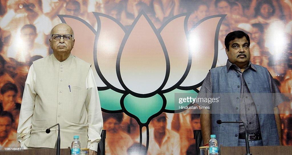 'NEW DELHI, INDIA- OCTOBER 20: Senior BJP leader LK Advani with party President Nitin Gadkari, during a talk on ''Globalisation and Indian Society'' organized by Swami Vivekananda Study Circle at Ashoka Road on October 20, 2012 in New Delhi, India. ( Photo By Sonu Mehta/Hindustan Times via Getty Images)'