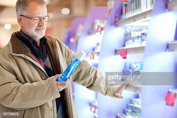 Alter Einkauf Kosmetika, zur Mundhygiene im Supermarkt
